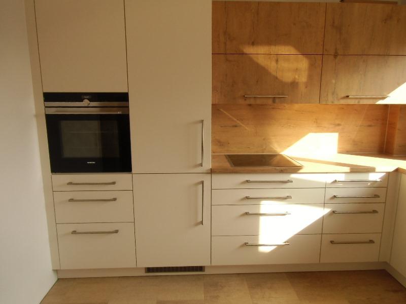 Einbauküche in warmen Tönen - Küchen Schlatter
